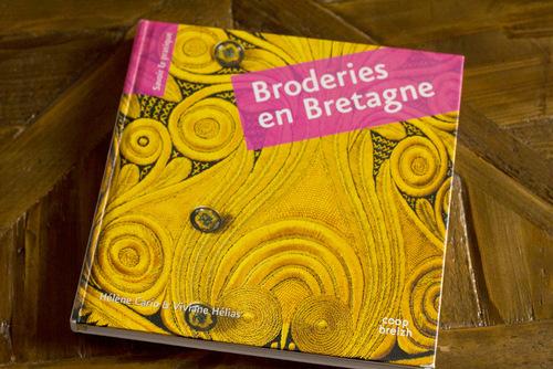 """** SUITE & FIN  - 2ème Partie """". DENTELLES, BRODERIES & COIFFES BRETONNES """".**"""