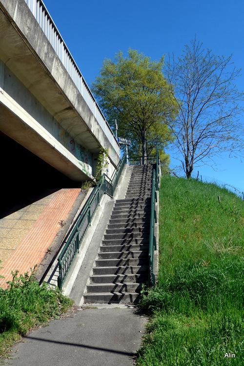 Des escaliers ...
