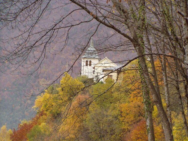 L'église de St Nicolas sur la commune de La bois