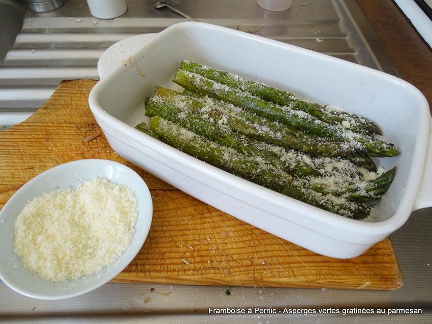 Asperges vertes gratinées au parmesan