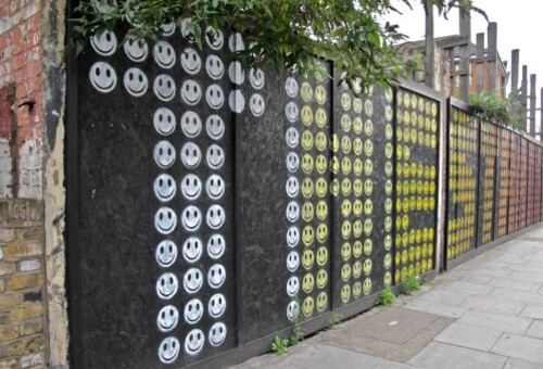 Londres street-art Hackney smiley Eine 2