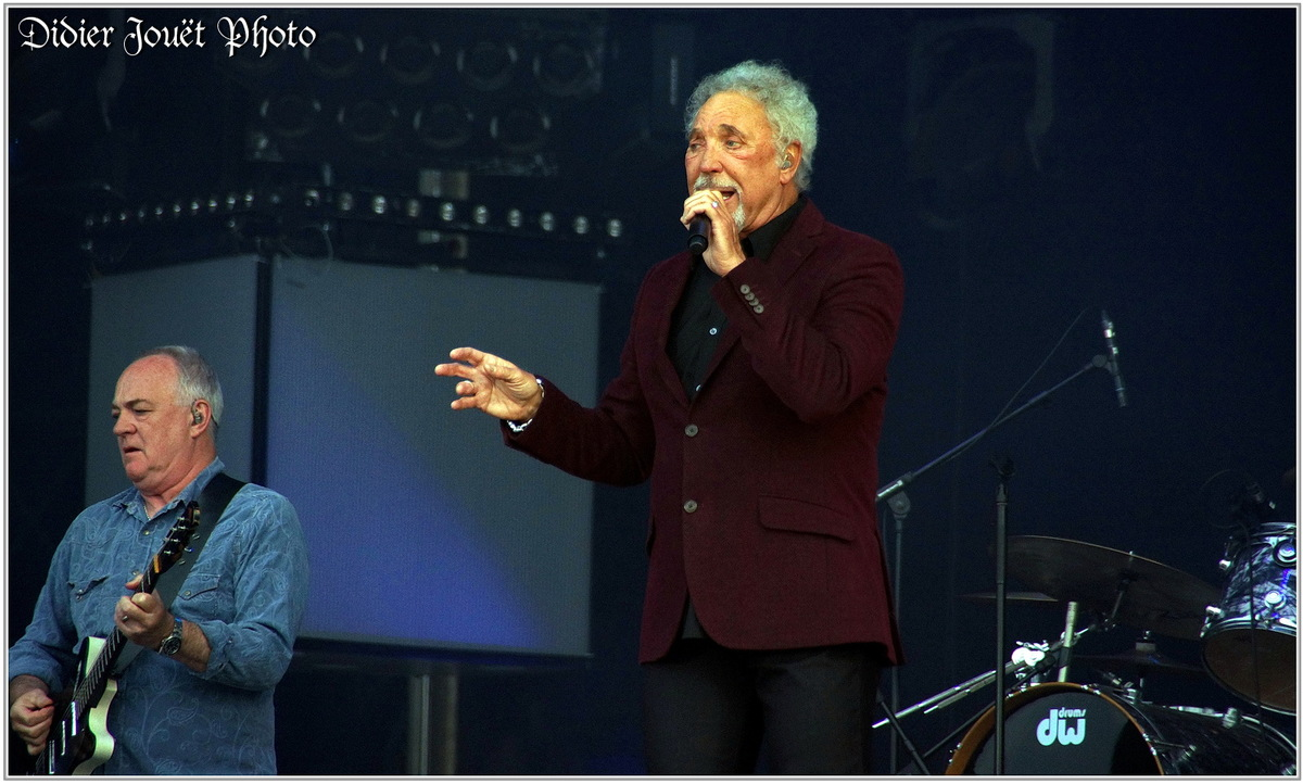 Tom Jones (1) - Festival des Vieilles Charrues 2015