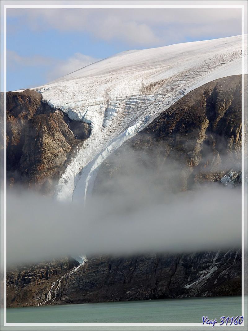 Un peu de navigation dans Icy Fjord - Nunavut