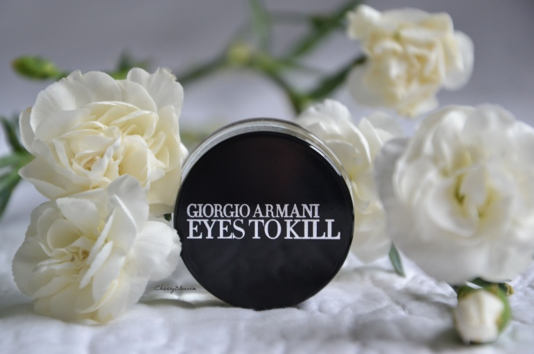 Eyes to kill d'Armani