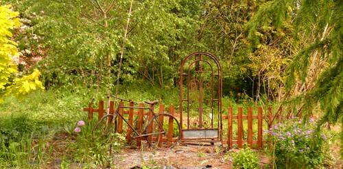 nouveaux aménagements au jardin .