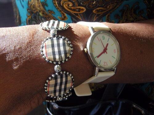 bracelet en ruban de style burberry