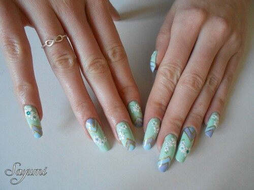 Nail Art Mix coloré et printanier