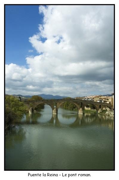 Puente la Reina (2) Le pont Roman.