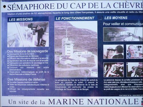 Photos du sémaphore et du mémorial du Cap de la chèvre