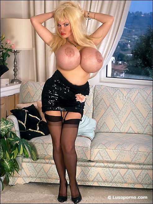 Legends Boobs - Lolo Ferrari - 2 -