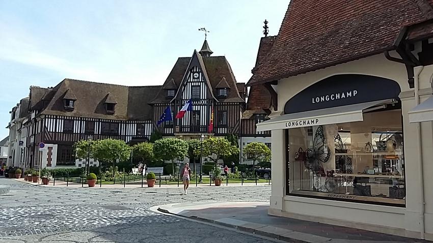 Deauville - suite la ville  -