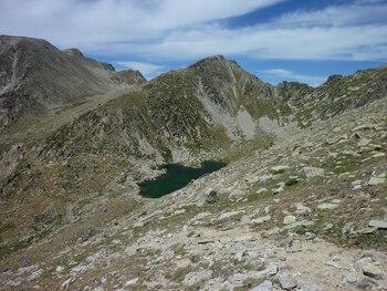 L'étang de Setut, pendant la descente.