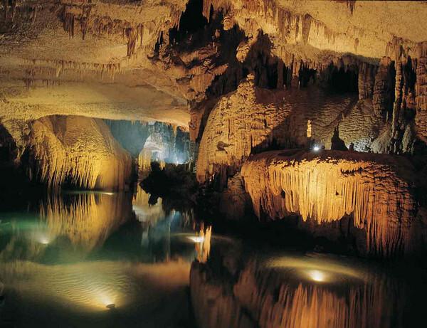 Grotte de Jeita, Nahr al-Kalb Valley, Lebanon