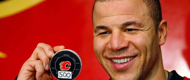 Un joueur de hockey a fait don de 2000 dollars pour chaque but qu'il a marqué, il en a marqué 500 !