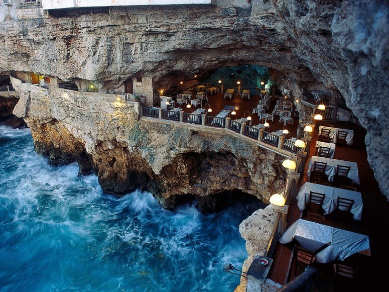 item6.rendition.slideshowWideHorizontal.grotta-palazzese-restaurant-puglia-italy