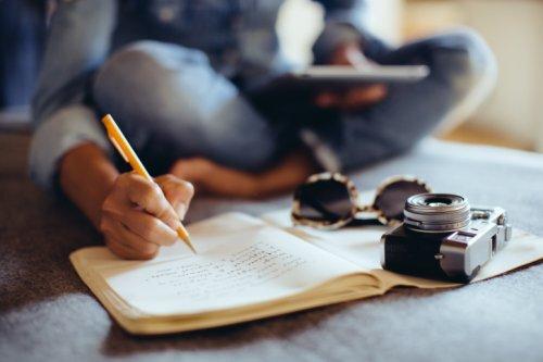 lire-journal-ecrire-photo