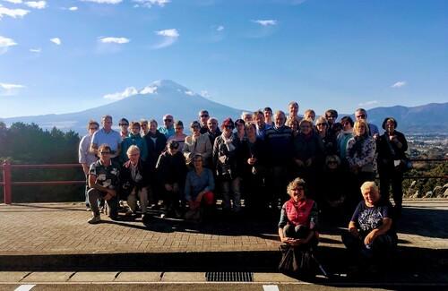 Voyage au Japon / devant le mont Fuji