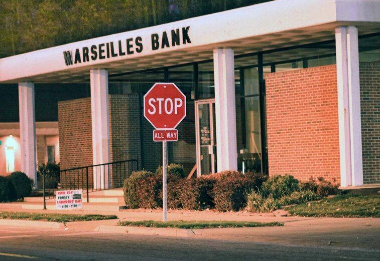 MARSEILLE - Mamiekéké découvre MARSEILLES aux USA en Illinois , oui c' est vrai !