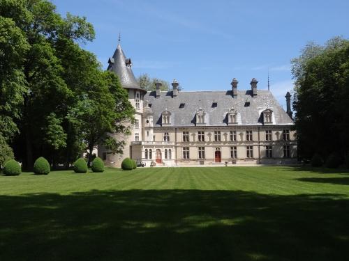 Exposition-Vente de plantes aromatiques  au Château de Montigny sur Aube...