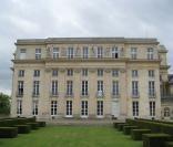 183622-le-chateau-de-benouville-dans-le-156x133-2