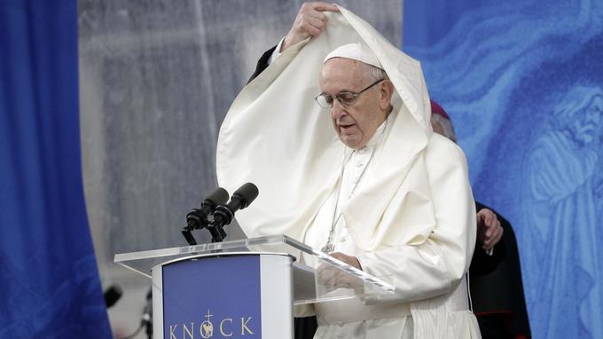 Le pape accusé d'avoir couvert les abus sexuels d'un cardinal américain