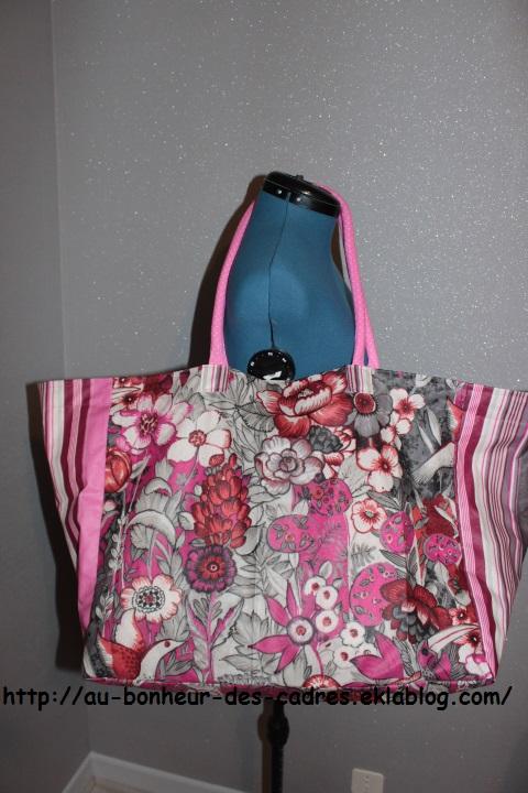 Coussin tour de cou Chat et sac de plage en toile cirée