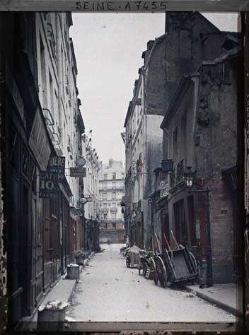 La rue de Bièvre par Stéphane Passet ©Musée Albert-Kahn - Département des Hauts-de-Seine