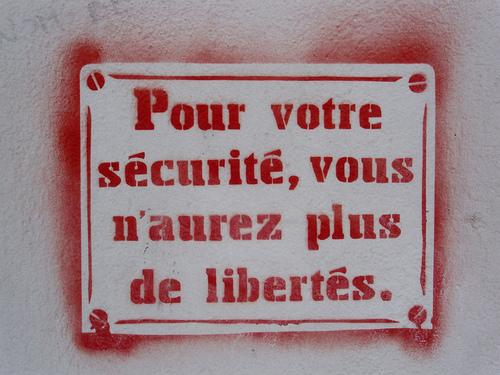 - Union nationale et traque aux dissidents, les raisons cachées d'un coup d'État silencieux