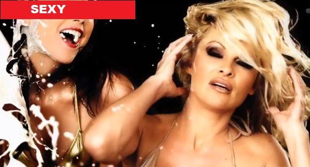 La Grande-Bretagne censure cette publicité de CrazyDomains.com avec Pamela Anderson2