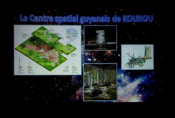Une conférence sur les fusées françaises et européennes, a été proposée par l'association des Anciens élèves du collège et du Lycée