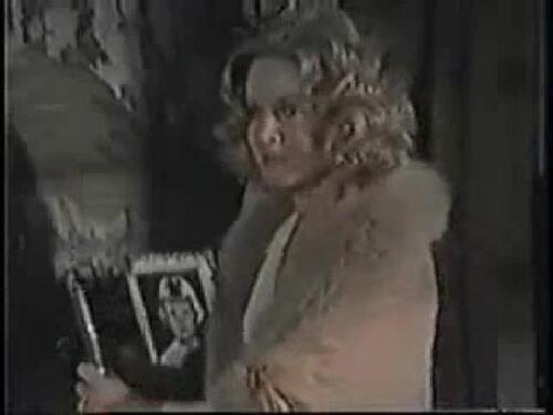 """Donna Mills dans """"Live again,die again''."""