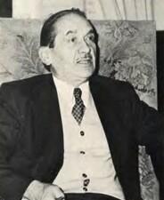 André Dumas1