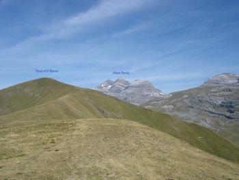 Vers le Nord-Ouest, la chaîne du Mont Perdu