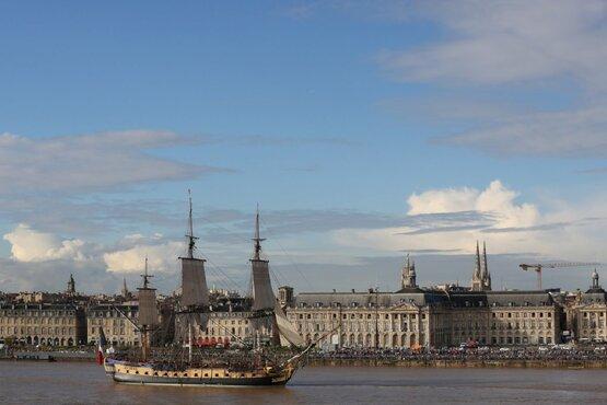 l'Hermione  à Bordeaux. (le départ).