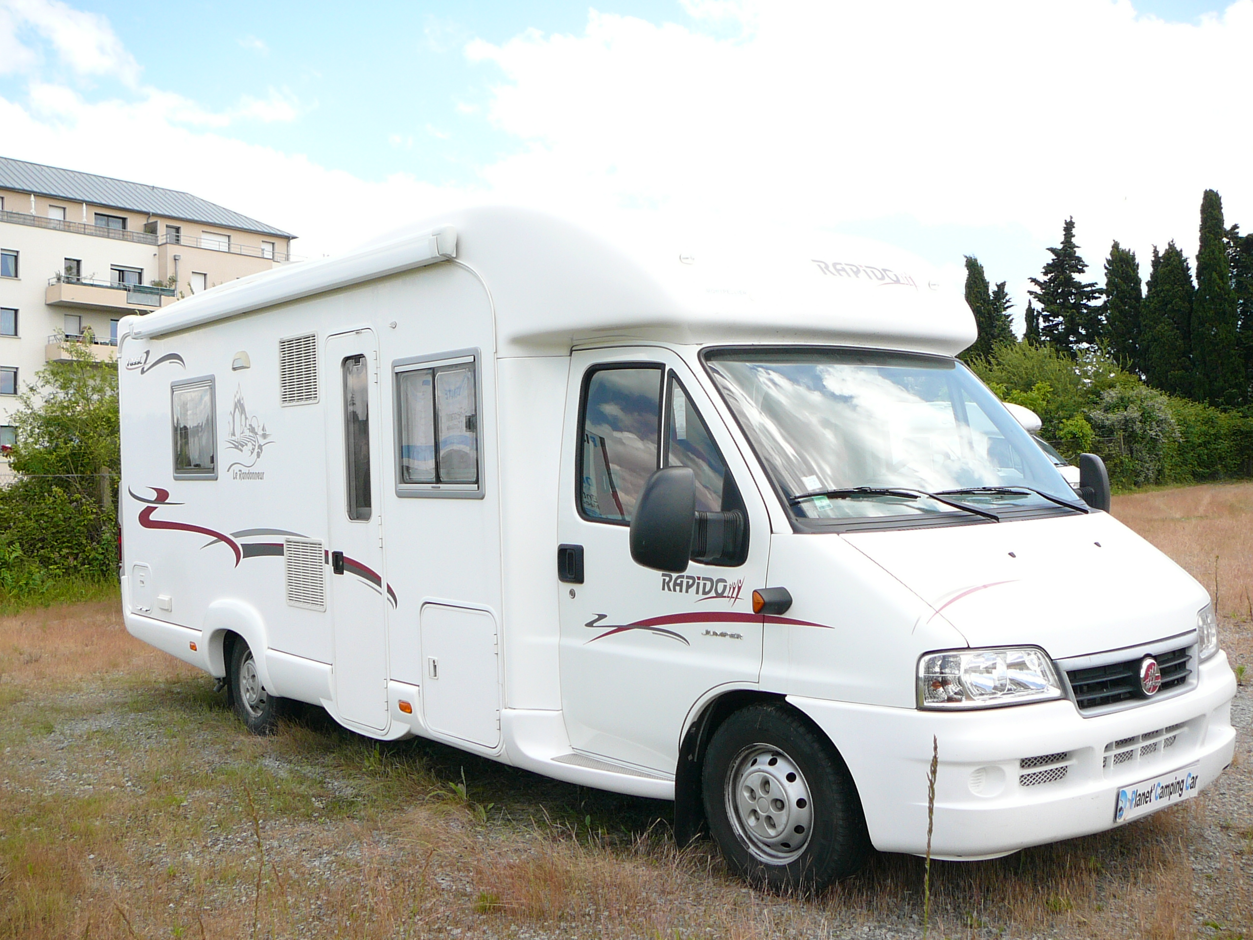 Profile rapido 7099c for Salon camping car rennes