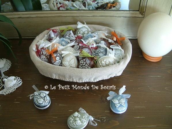 Oeufs de Paques en plâtre