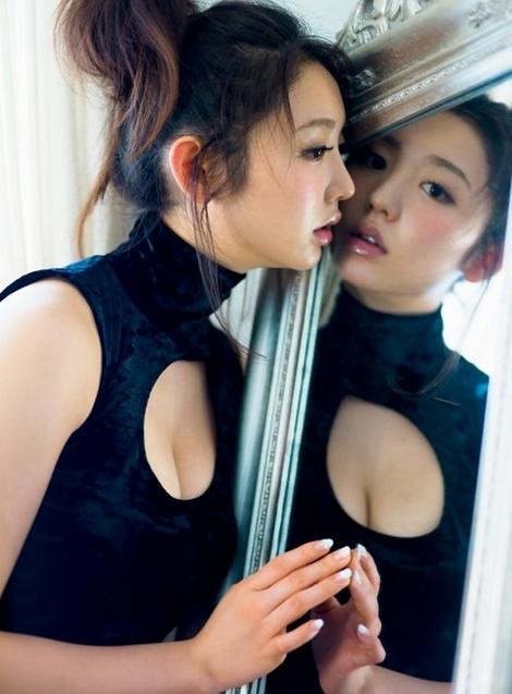 WEB Magazine : ( [FRIDAY Digital - Gravure] - |FRIDAY - 18/07/2014 - Nonoka Ono : おのののか 豊乳生搾りボディ| )