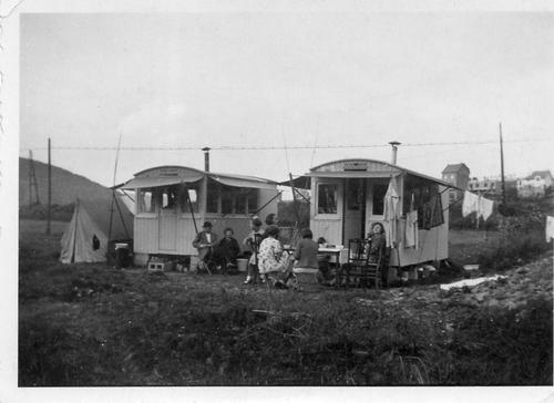 Vers 1935, roulottes dans la zone