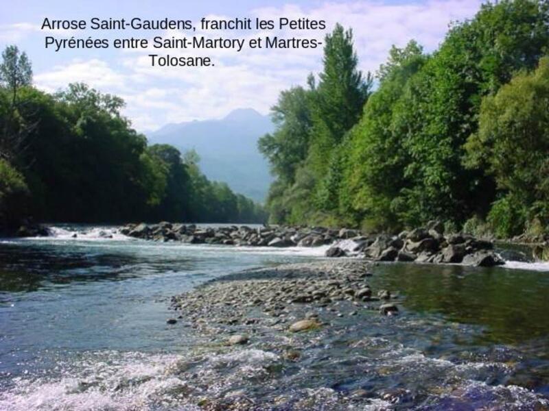 nous en Gironde nous avont notre garonne(La Garonne s'appelle en languedocien et en gascon la/era Garona /eɾa garunɵ/, un nom commun signifiant la rivière