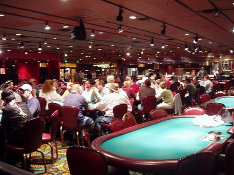 Bermain Judi Poker dan Popularitasnya dari Tahun ke Tahun