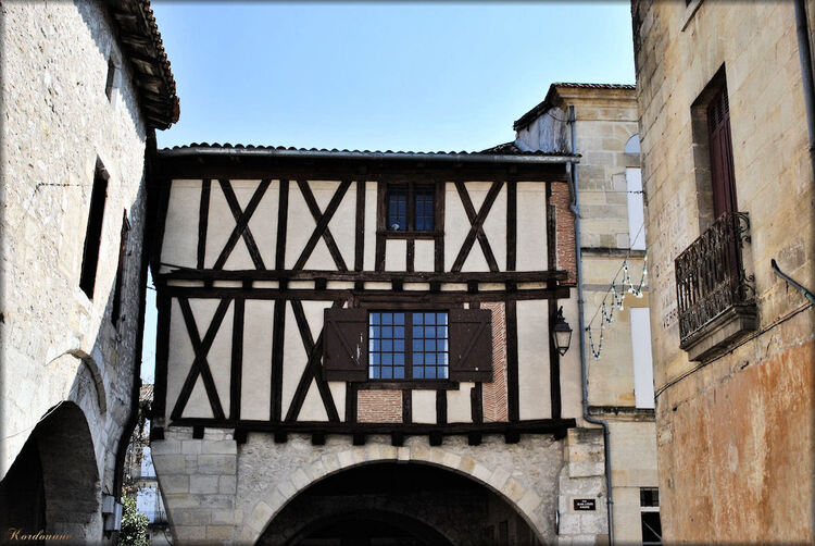 Photo de la place Gambetta à Sainte Foy la Grande