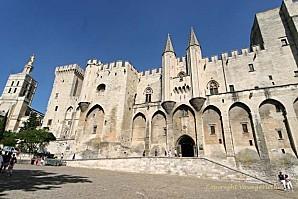 avignon-palais-des-papes-658