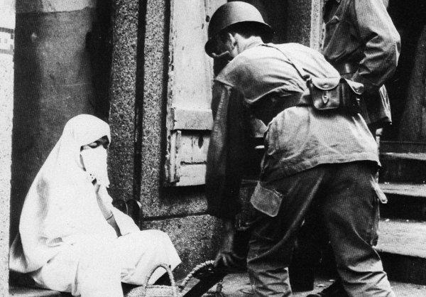 19 mars : Hollande relance le débat sur la commémoration de la guerre d'Algérie