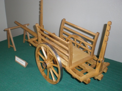 Les Miniatures : Voitures à chevaux et meubles miniatures