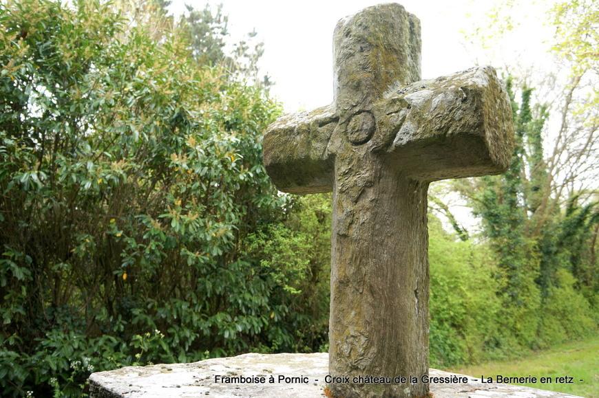 Croix du château de la Gressière