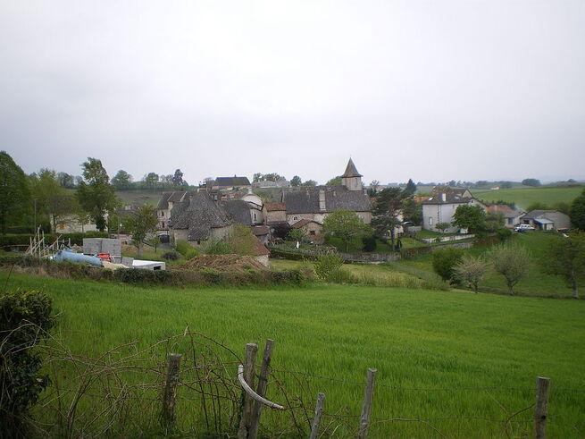 Le bourg d'Omps.