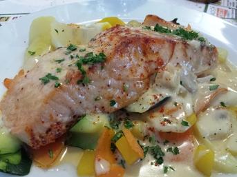 Pavé de saumon petits légumes