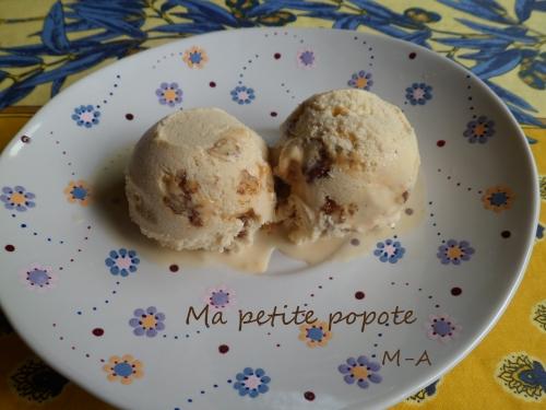 glace au sirop d'érable et noix de pécan caramélisées