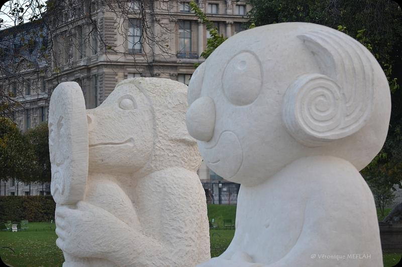 """Jardin des Tuileries : FIAC 2017 : """"Les statues meurent aussi"""" Stefan Rinck (2017)"""