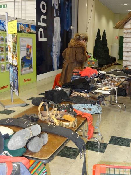 Un vide-écurie a eu lieu dans la galerie d'Auchan...